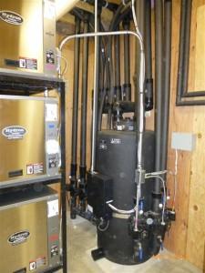 Buffer tank, three heat pumps, 2 5 tons, 1 4 tontank, buffer tank