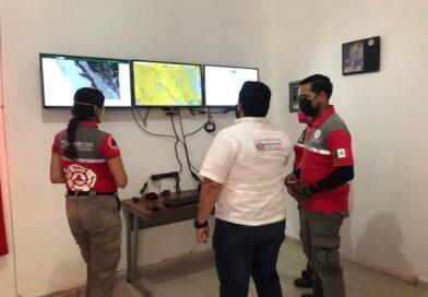 Equipan a PC con un centro de monitoreo climatológico