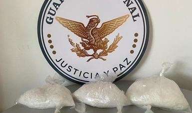 Guardia Nacional asegura casi dos kilos de crystal y 3 mil 800 pastillas de fentanilo