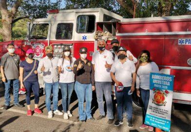 Sale Aglaee Montoya al boteo para apoyar colecta de Bomberos