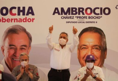 Ambrocio Chávez destaca y gana el debate del IEES