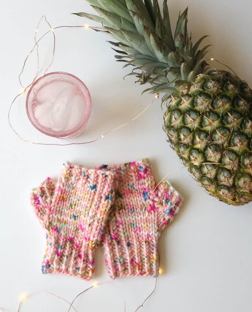 One skein fingerless mittens knitting pattern