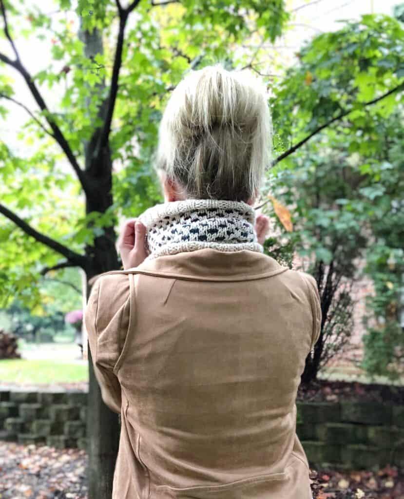 Free Mosaic Knitting Cowl Pattern