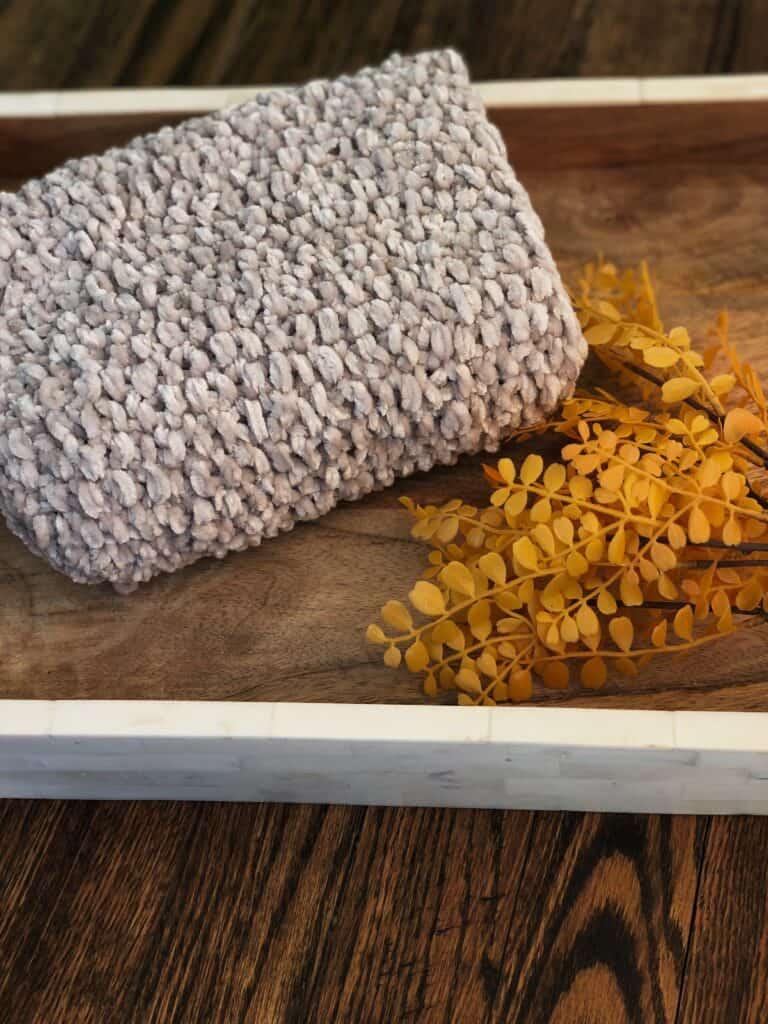 Seed Stitch Cowl Knitting Pattern - Free Pattern