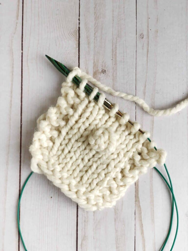 How to knit a bobble stitch