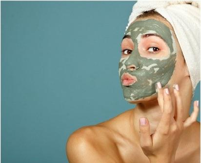 face masks for oily to combination skin - Multani mitti helps absorb excess sebum or oil from the face
