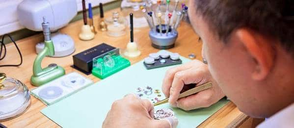 Guide On How To Spot a Fake Rolex - Eliminate Risks When Buying Authentic Rolex Watches