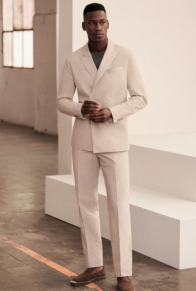 What Shoes to Wear with a Neutral (Cream or Beige) Suit