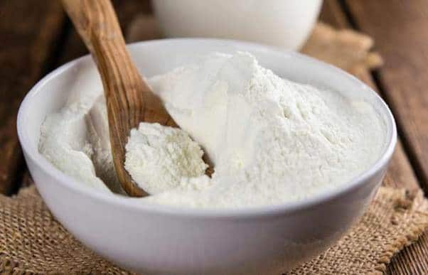 1.-Sandalwood-And-Milk-Face-Pack