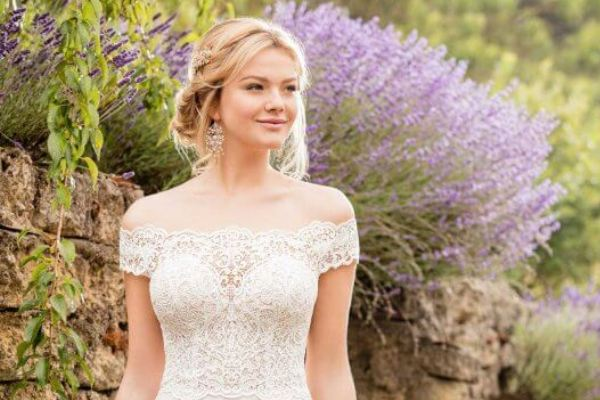 Casual Wedding Dresses For Lighthearted Brides
