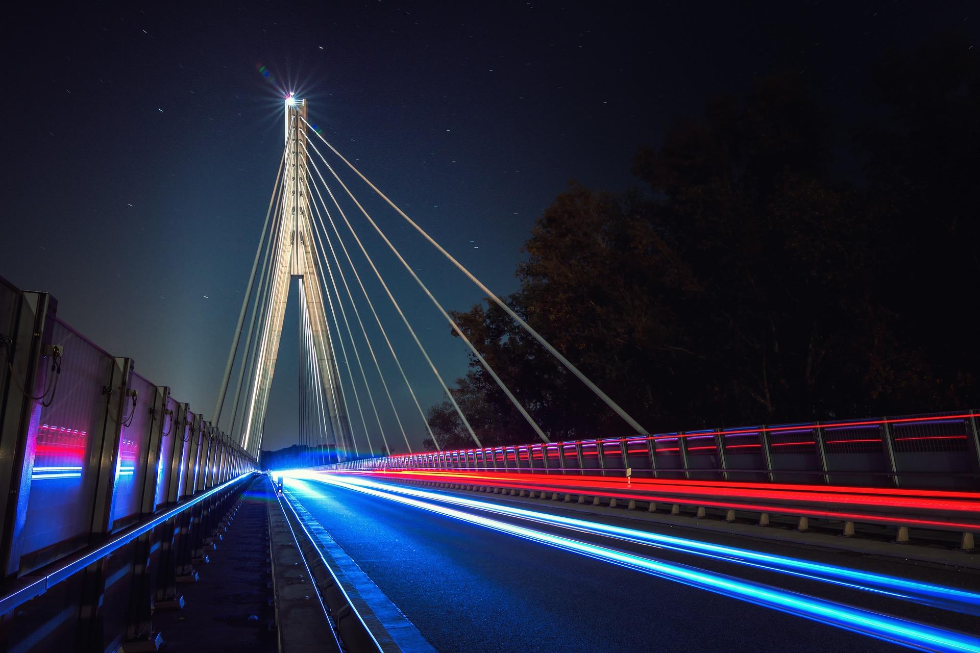 bridge-2952135_1920