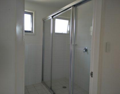 BH65 - Shower