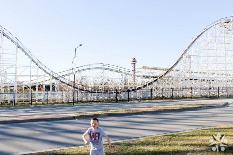Arlington-Family-Six-Flags