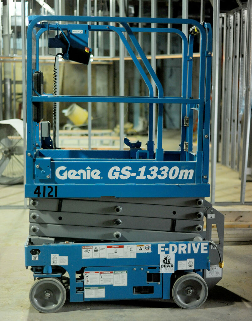 GENIE GS-1330 SLAB SCISSOR LIFT RENTAL