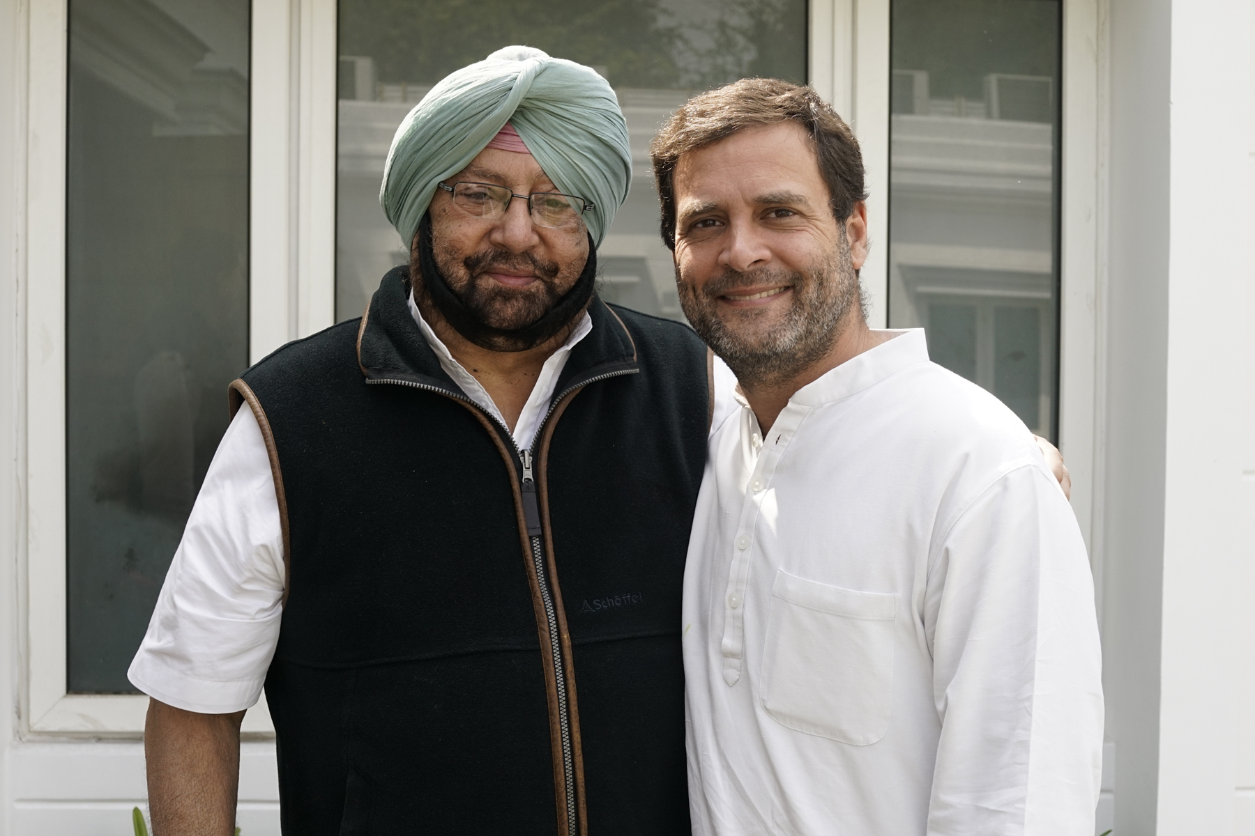 Rahul Gandhi congratulates Capt Amarinder on landslide victory