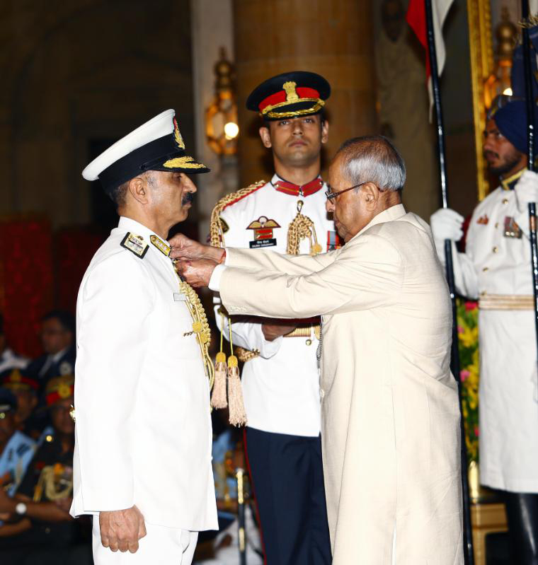 VICE ADMIRAL RAVNEET SINGH  SON OF JALANDHAR HONOURED BY THE PRESIDENT OF INDIA
