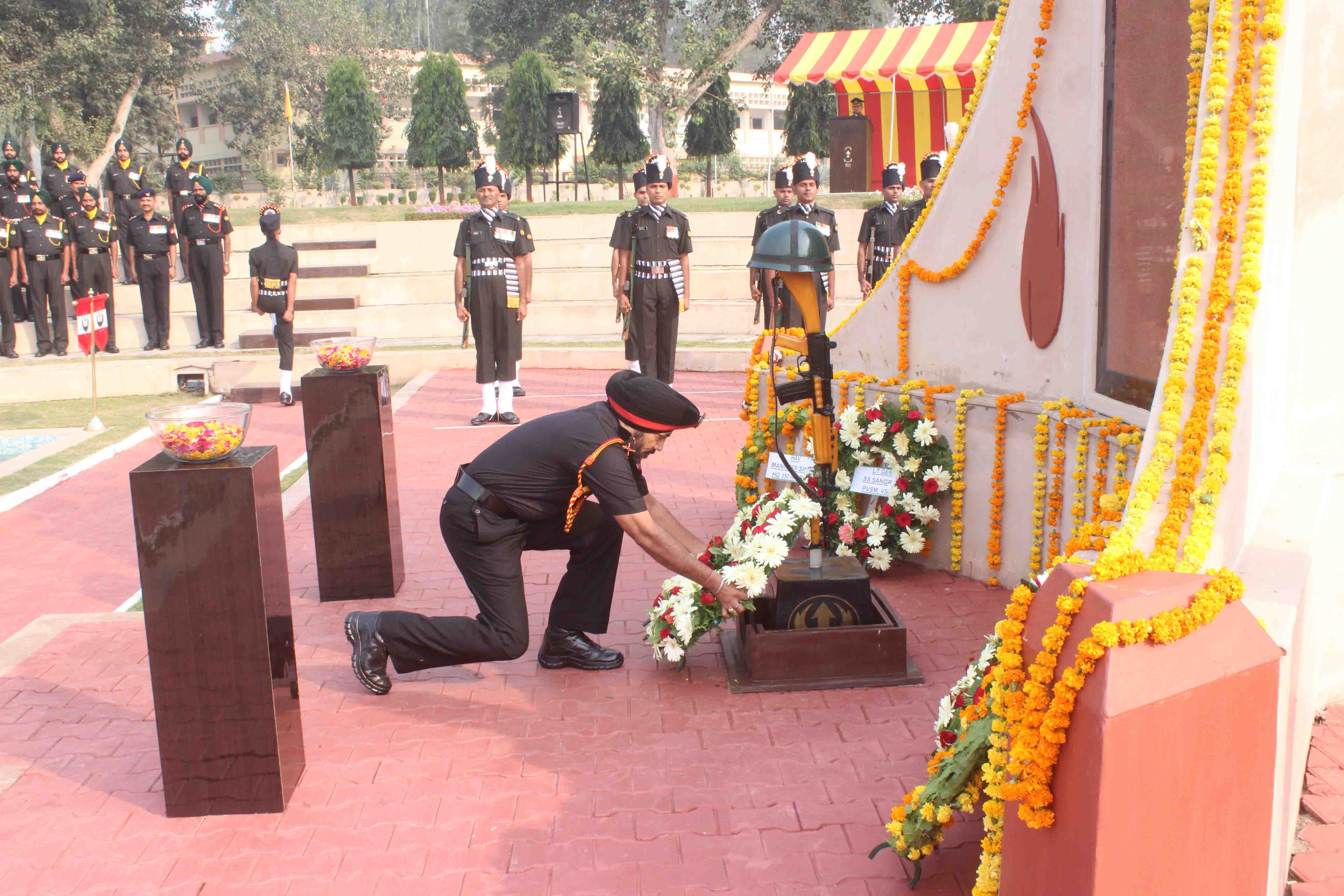 Vajra Corps pay homage to fallen heroes on  70th Infantry Day