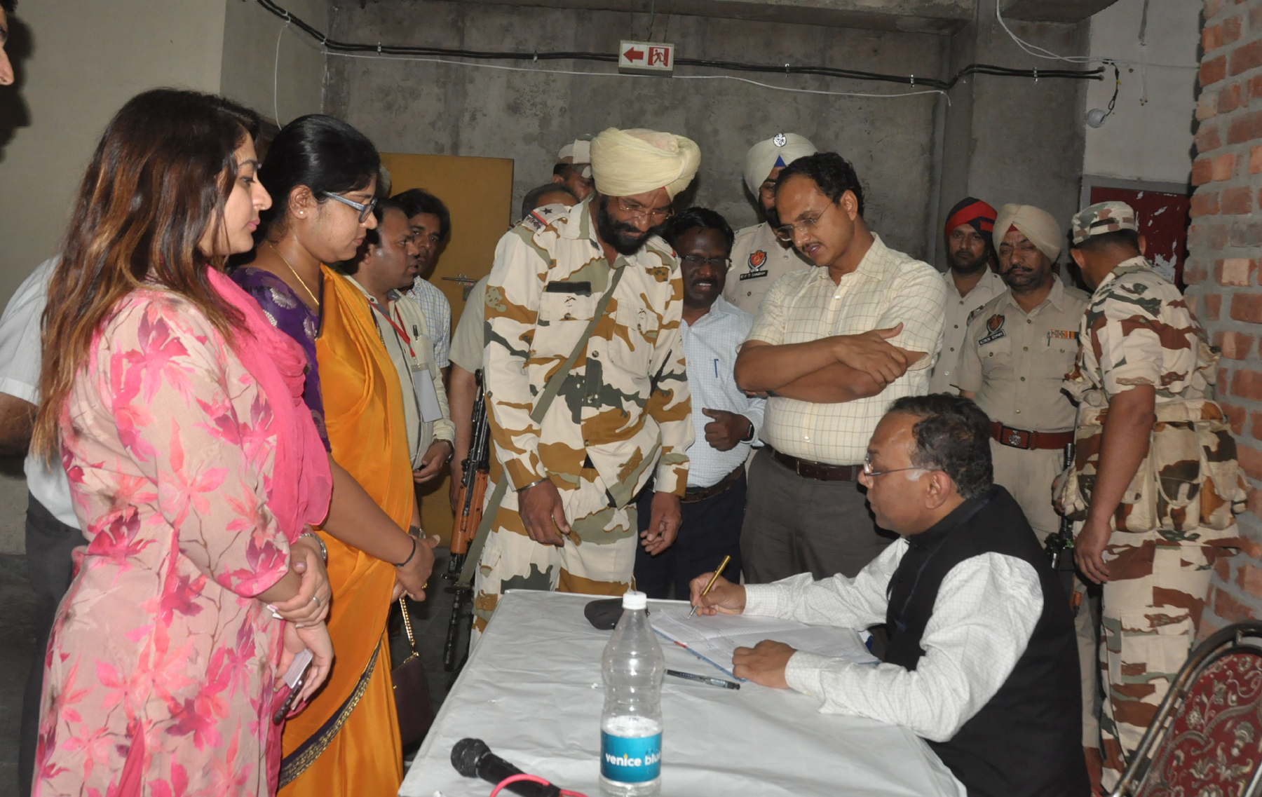 900 SECURITY PERSONNEL FROM STATE POLICE, PAP AND PARA MILITARY FORCES DEPLOYED FOR PROTECTION OF EVMs ROUND THE CLOCK