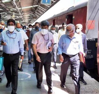 J&K Rail projects being reviewed by Lt Governor Manoj Sinha