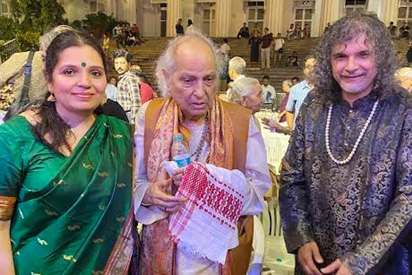 Kala Ramnath, synonymous with the 'Singing Violin' performs at Mumbai Sanskruti 2020
