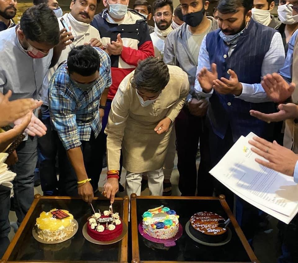 Anurag Thakur celebrates his 46th birthday with BJYM workers in Chandigarh