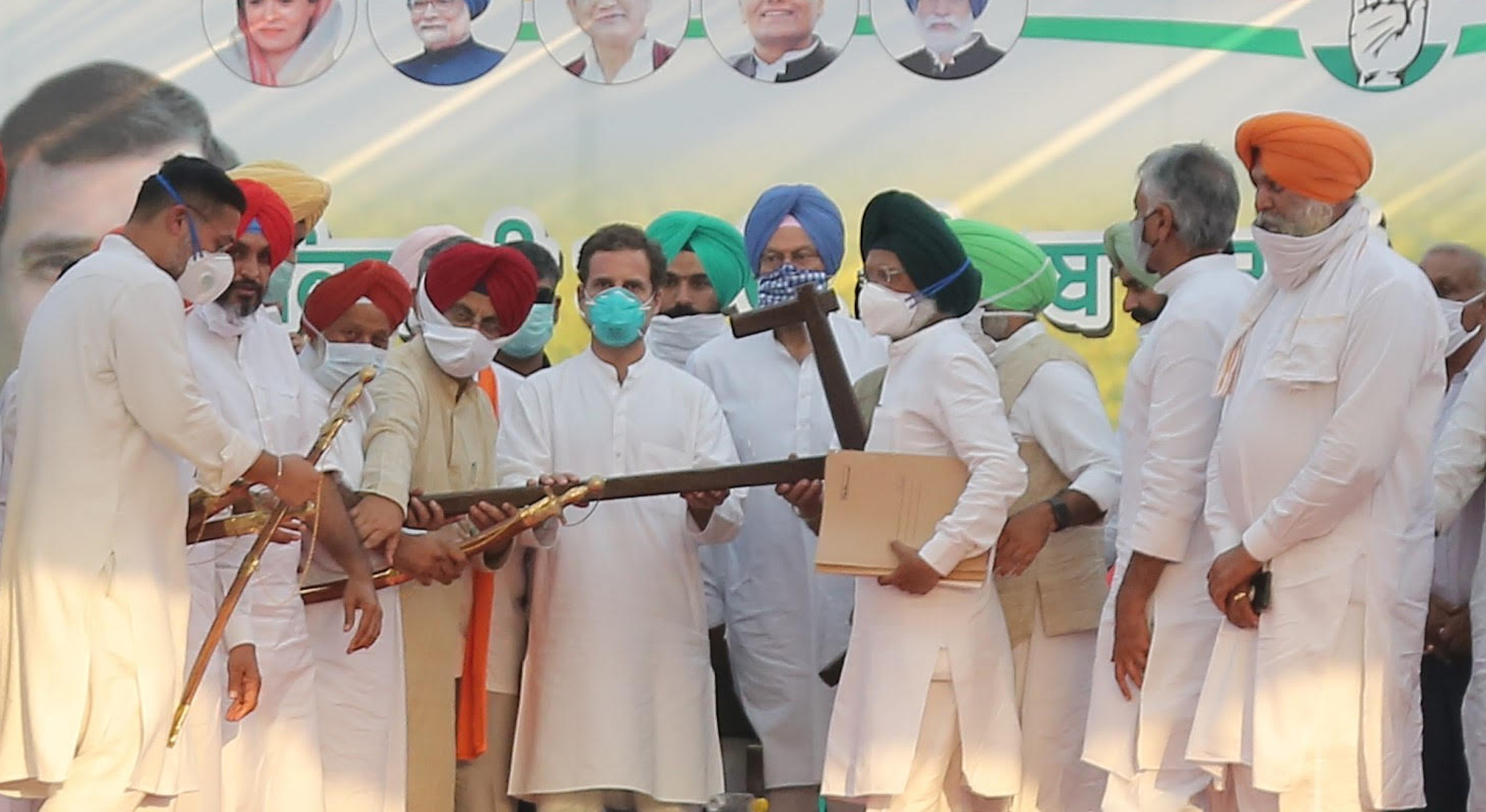 Fatehgarh Sahib MP hands over resolutions to Rahul Gandhi