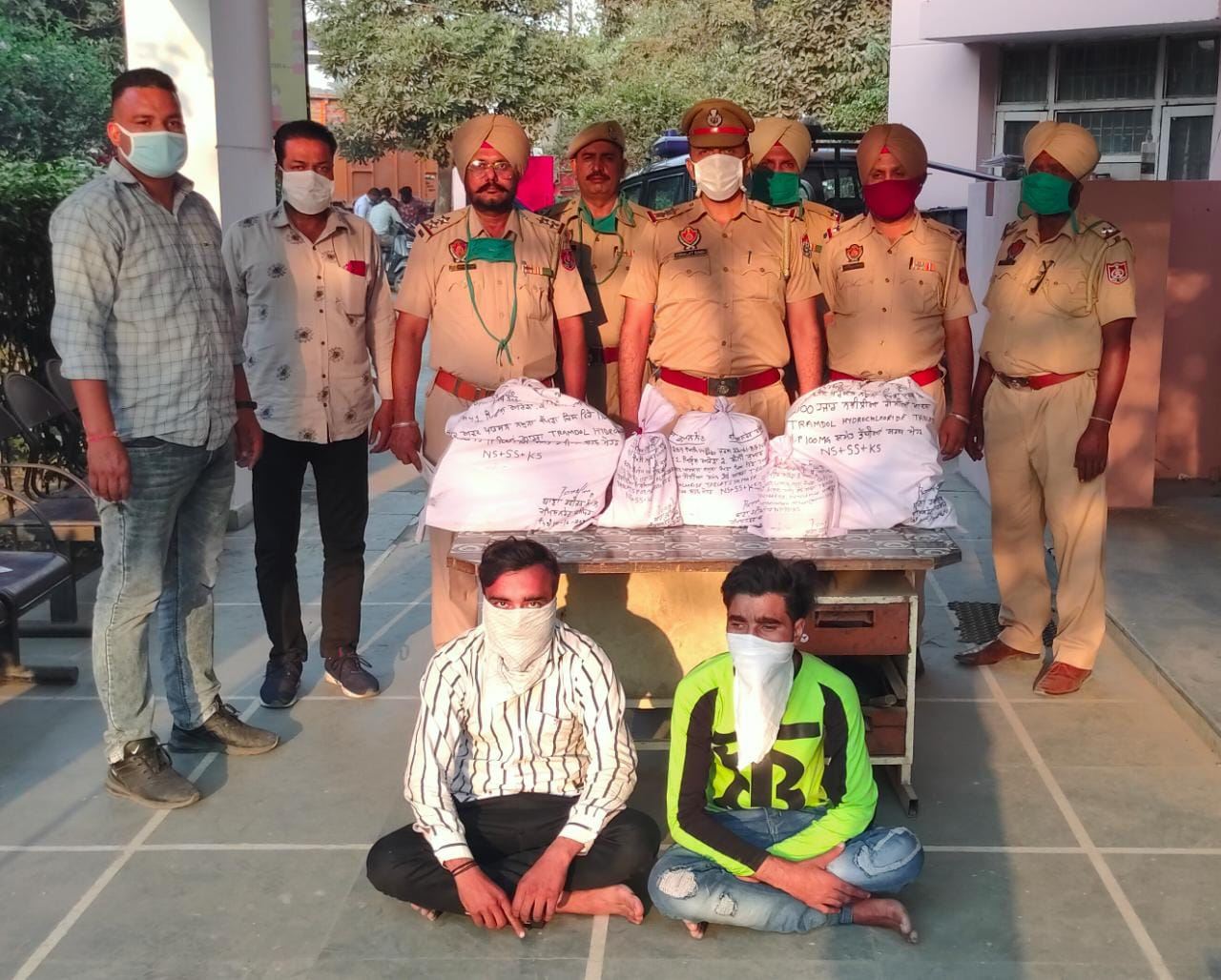 Commissionerate Police arrest Two persons seize 27000 intoxicant tablets