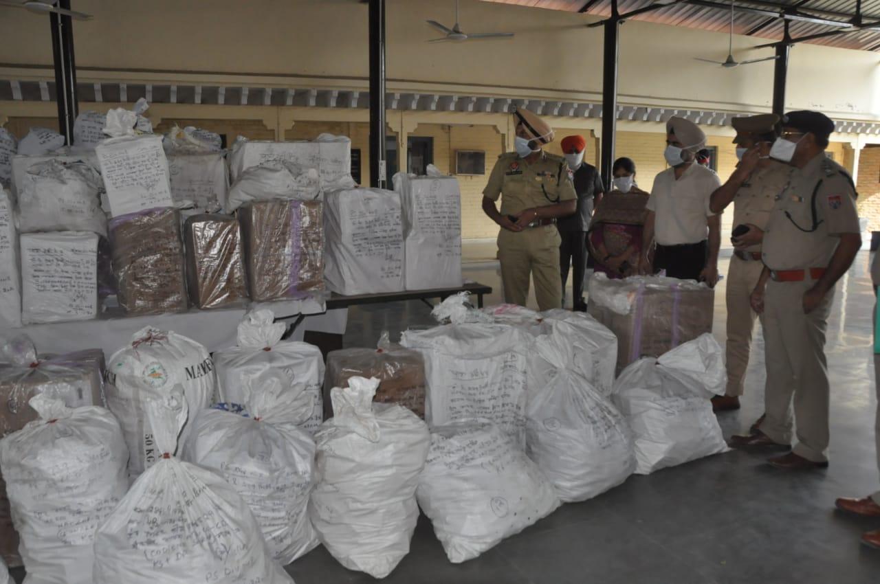 कमिश्नरेट पुलिस का नशों के खिलाफ अभियान जारी,लुधियाना से नशीली दवाओं की खेप बरामद