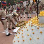पुलिस शहीदी दिवस पर एसपी ने शहीद परिवार को किया सम्मानित