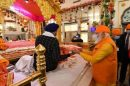PM astonishes with Sikh temple visit amid farm protests