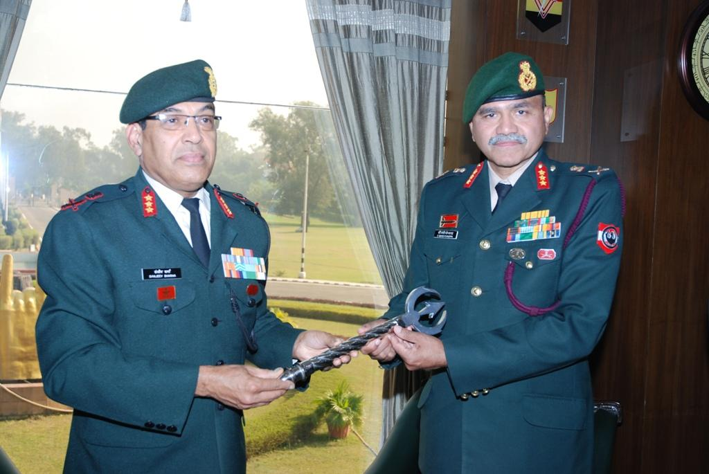 Lt Gen C Bansi Ponnappa takes over Command of Vajra Cores