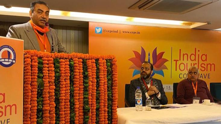 """भारत में पर्यटन को नई गति देने के लिए """"देखो भारत"""" अभियान: पटेल"""