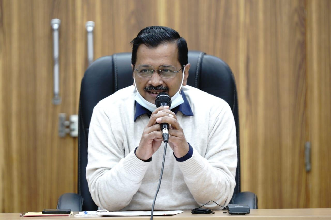 Arvind Kejriwal congratulates fellows on the concluding sessionof CMUL fellowship