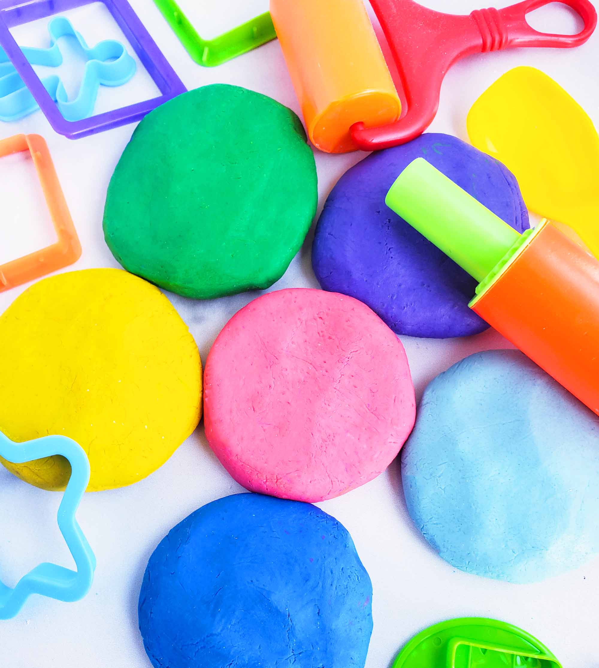Easy No-Cook DIY Playdough