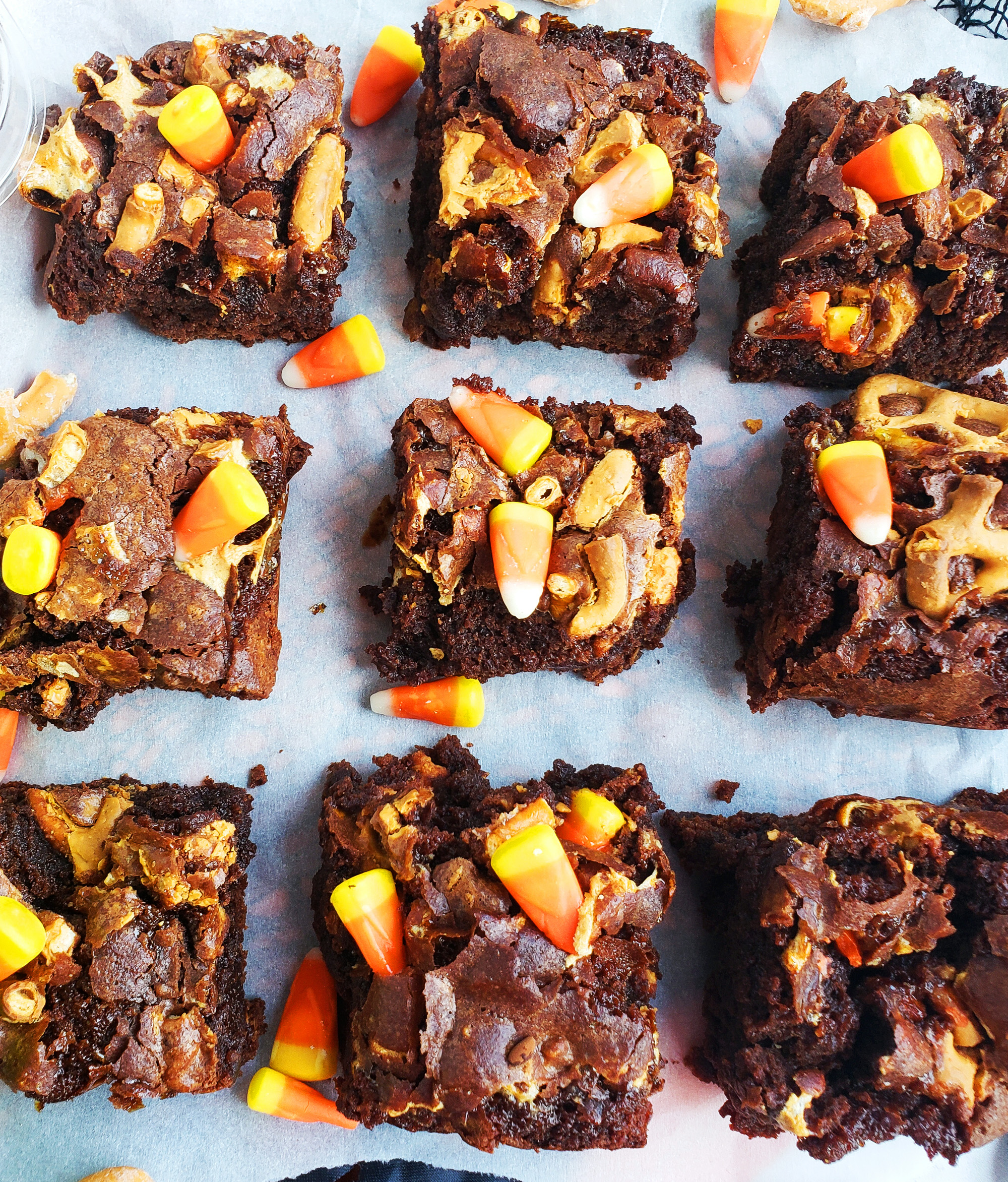 Easy Halloween Brownie Bars