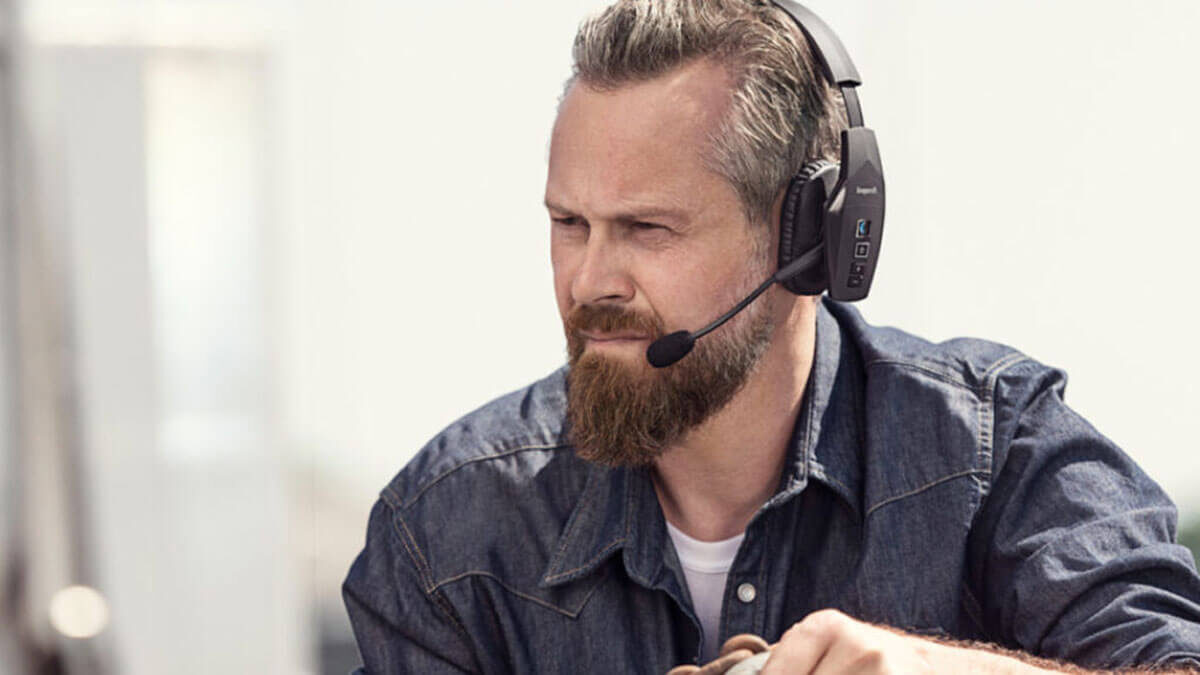 Best Bluetooth Headsets For Truckers [2020]