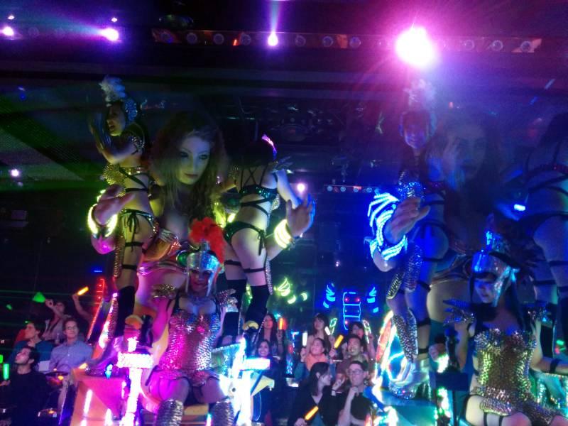 Tokyo robot show fembots