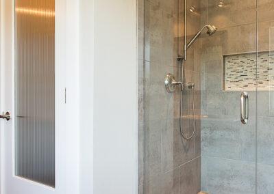 Weinberger shower toilet door