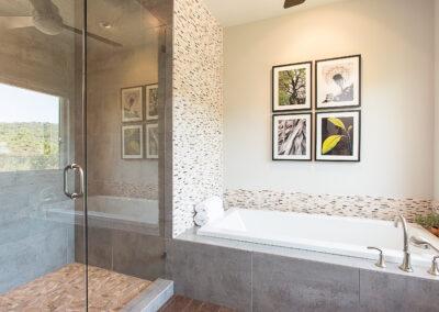 Weinberger shower tub view