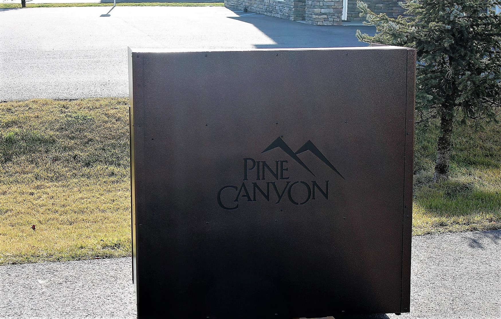 Large Podium -Pine Canyon