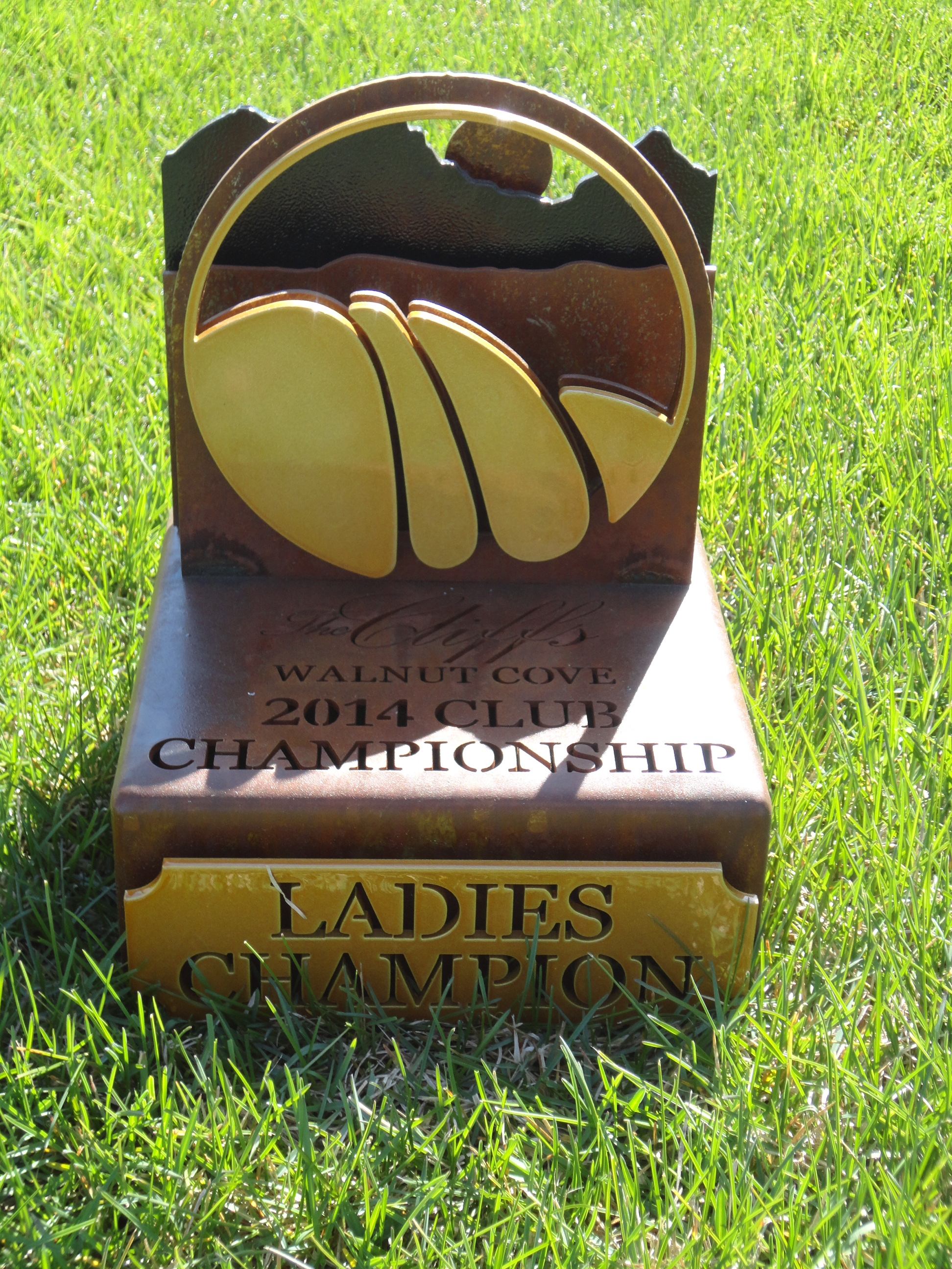 WALNUT COVE -Championship Golf Trophy
