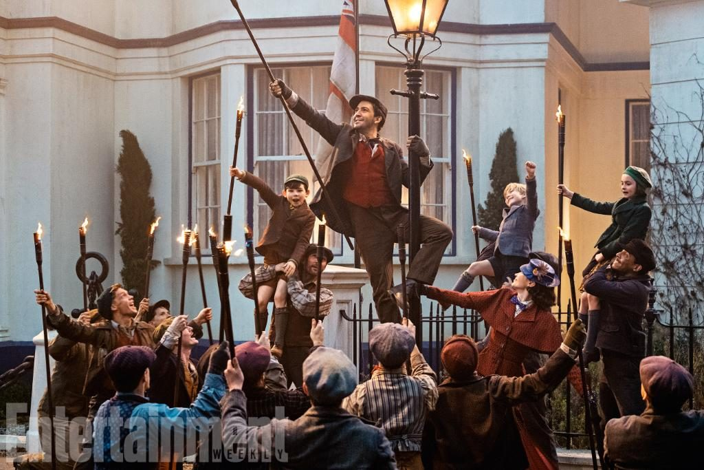 Mary Poppins Returns - Trip a Little Light Fantastic