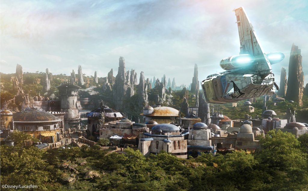 Star Wars Galaxy's Edge - Fly In - Disney Parks