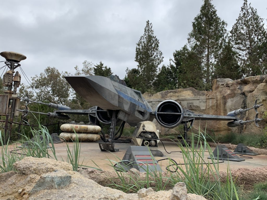 X-Wing - Star Wars: Galaxy's Edge - Disneyland