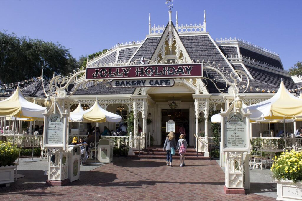 Jolly Holiday Bakery Cafe - Our 5 Favorite Disney Quick Service Restaurants