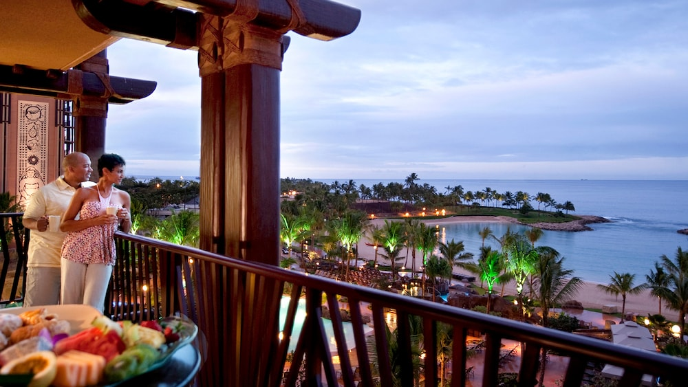Disney's Aulani Resort - Attraction Dining Ideas Disney Should Consider