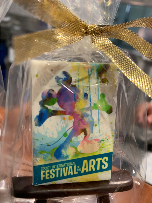 Decorated Festival of the Arts cookie - Epcot International Festival of the Arts - Disney's Underrated Festival