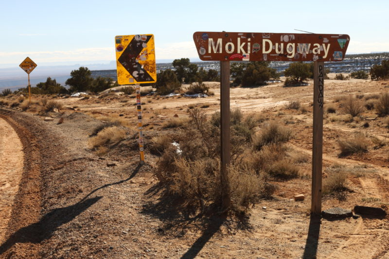 Sign at the top of Moki Dugway