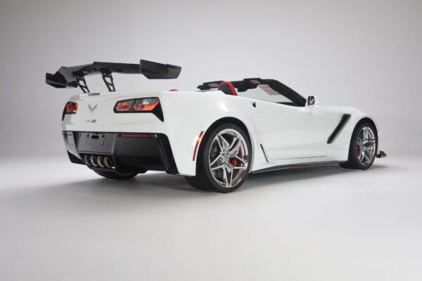 54B_2019 Corvette ZR1 Conv._White lite