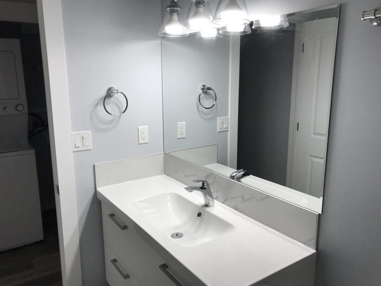 bathroom-basement-suite